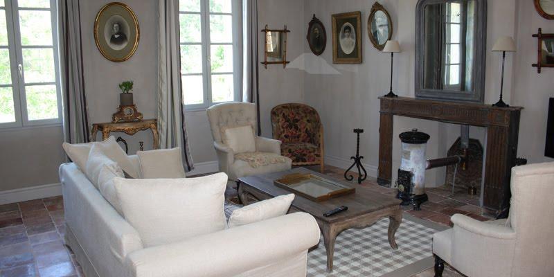 dormir dans le salon perfect aot appartement centre de londres with dormir dans le salon. Black Bedroom Furniture Sets. Home Design Ideas